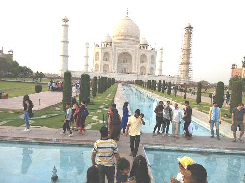 A Magnificent Sightseeing Day Tour Of Taj Mahal Agra